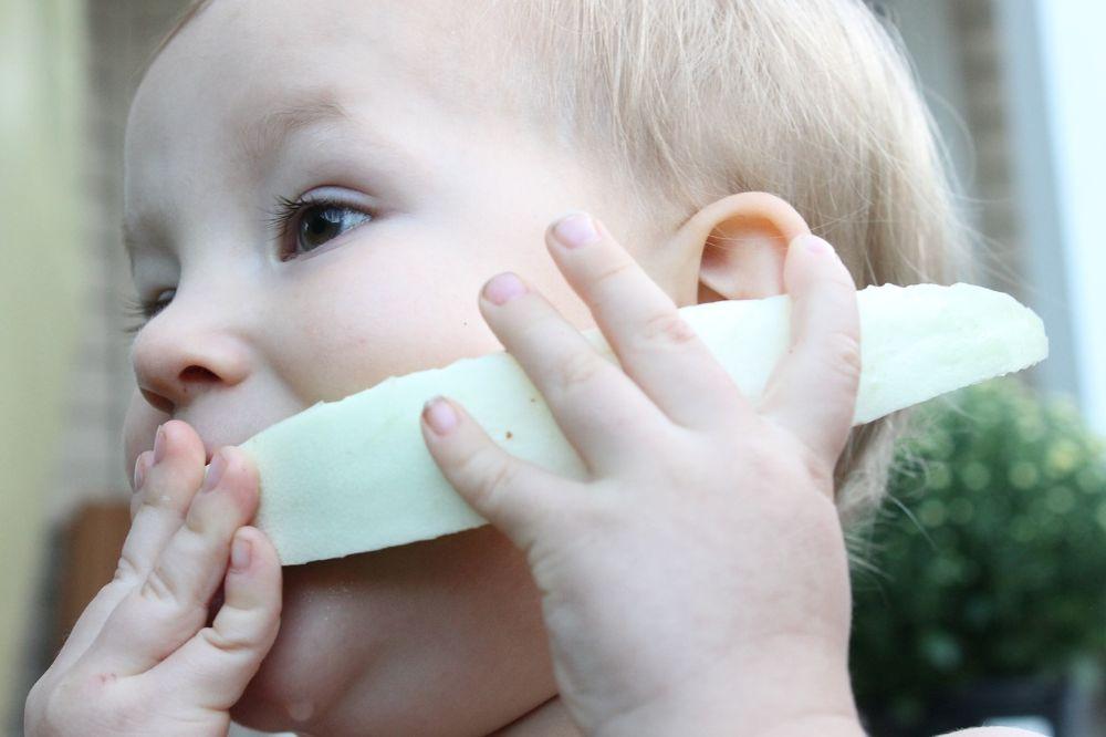 4 tips om je kind gezonde dingen te leren eten die hij niet lus