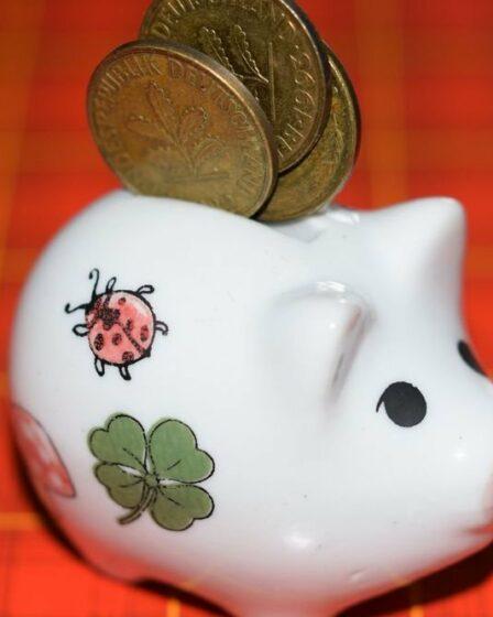 5 tips om maandelijks wat extra geld opzij te zetten